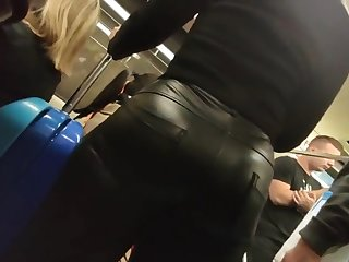 chunky hot ass in leather pants candid